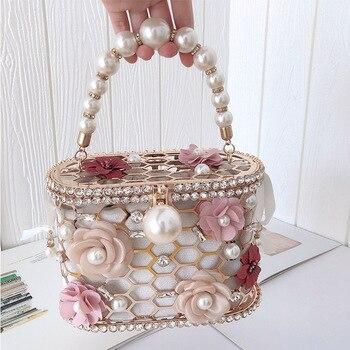 Luxury Elegant Flower Pearl Metal Hollow Handbag   1