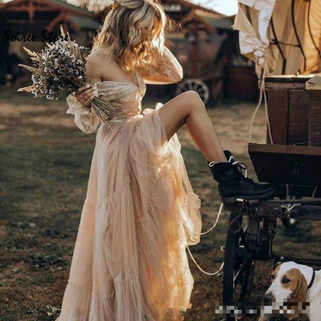 Фото женское свадебное платье в стиле бохо с v образным вырезом и цена