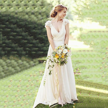 цена на Short Sleeves V neckline Lace Top Chiffon Skirt Vintage Wedding Dresses with Lace Boho Bridal Dresses 2019 luxury wedding dress