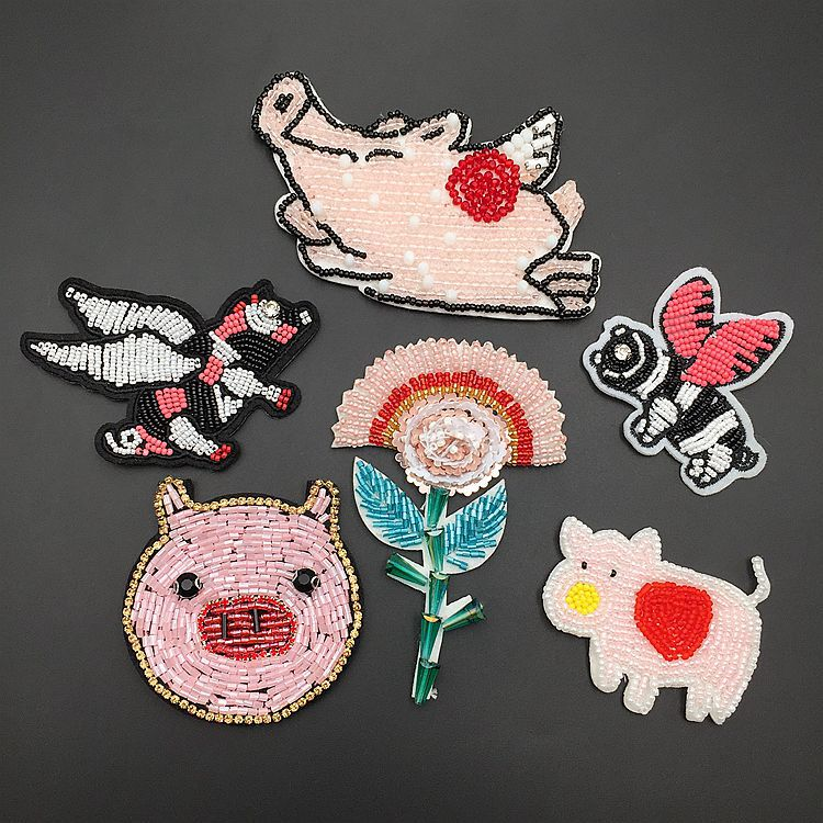 2pcs Cute Animal Pure Hand-nailed Bead Crystal Pig Cloth Paste T-shirt Decal Patch For Clothing, Bags, Decoration Free Postage