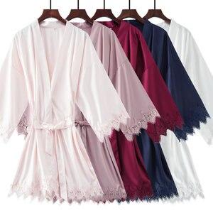 Image 4 - YUXINBRIDAL 2019 nowy matowy satynowa koronkowa szata z wykończenia suknia ślubna panna młoda druhna szlafrok Kimono szlafrok satynowe szaty kobiet