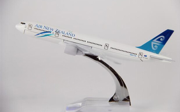 Hot Sell 16cm Plane Model B747  Air New Zealand Aircraft B747 Metal Simulation Airplane Model For Kid Toys Christmas Gift