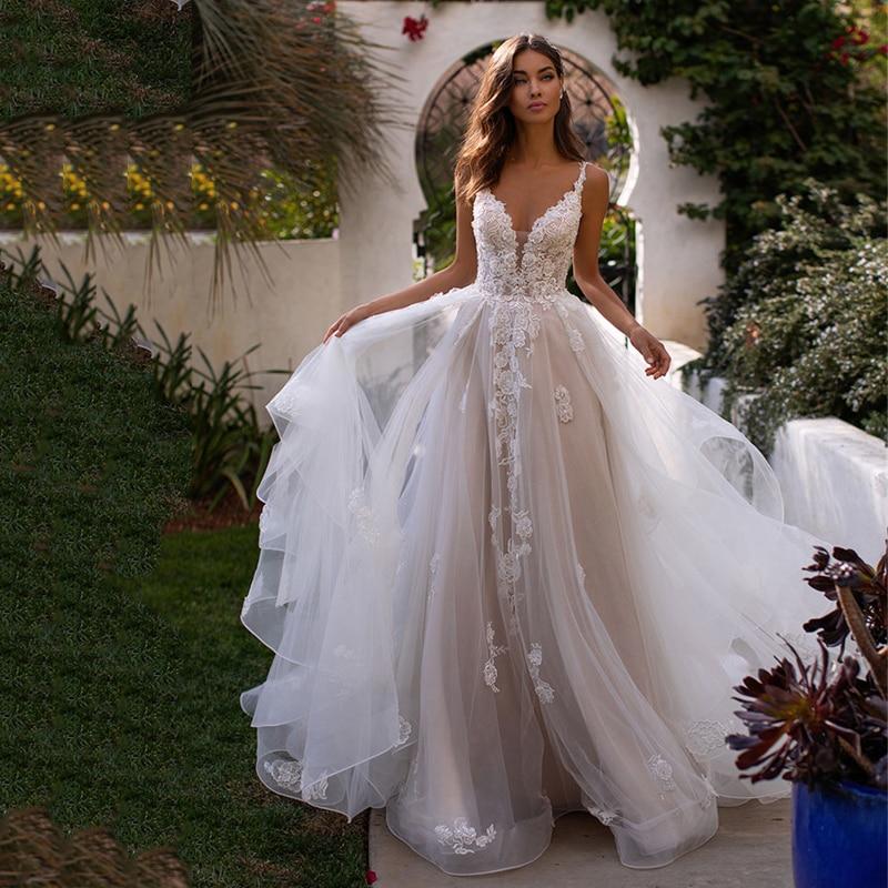 2019 Long Boho A-Line Backless Wedding Dress 3D Flowers Spaghetti Straps Bride Dresses Princess Floor Length Wedding Gowns 1