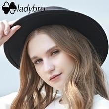 Ladybro เลียนแบบขนสัตว์หมวก Boater หมวกแบนสำหรับผู้หญิง Felt กว้าง Brim หมวก Fedora หมวกผู้หญิงหญิง Chapeu Feltro bowler Gambler