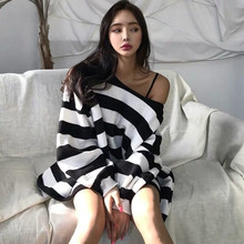Tshirt Streetwear Women Casual Sexy Black Striped Tshirt Female Cute Japan Tops