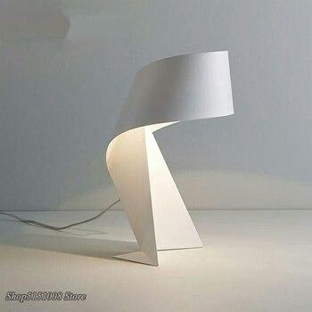 Lámparas de Mesa de Origami de arte del hierro creativo nórdico, lámparas de mesa para sala de estar, dormitorio, estudio, lámparas de escritorio de cabecera de varios colores, accesorios de decoración de oficina