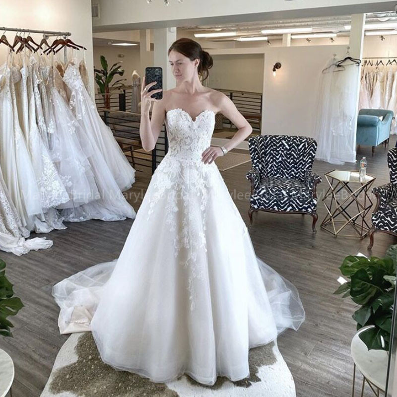 Elegant A-line White Wedding Dresses Sweetheart Floral Print Appliques Bridal Dress Made To Measure Chapel Train Robe De Mariée