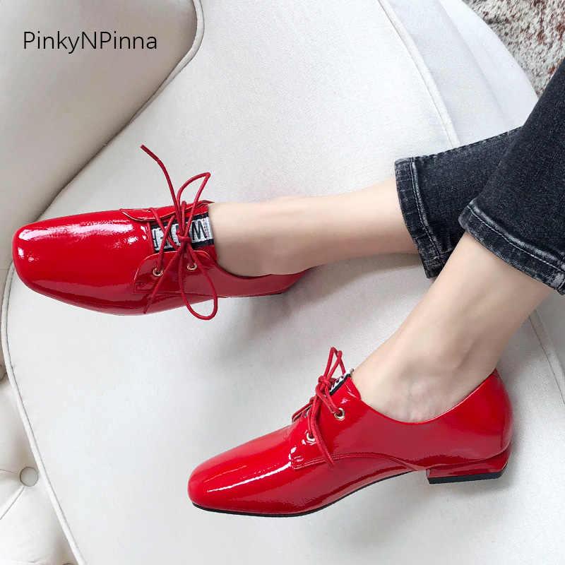 אופנה נשים רך פטנט עור שטוחים אוקספורד נעליים יומיומיות משרד נוסע אדום עור חזיר מדרסים לנשימה שיק בתוספת גודל