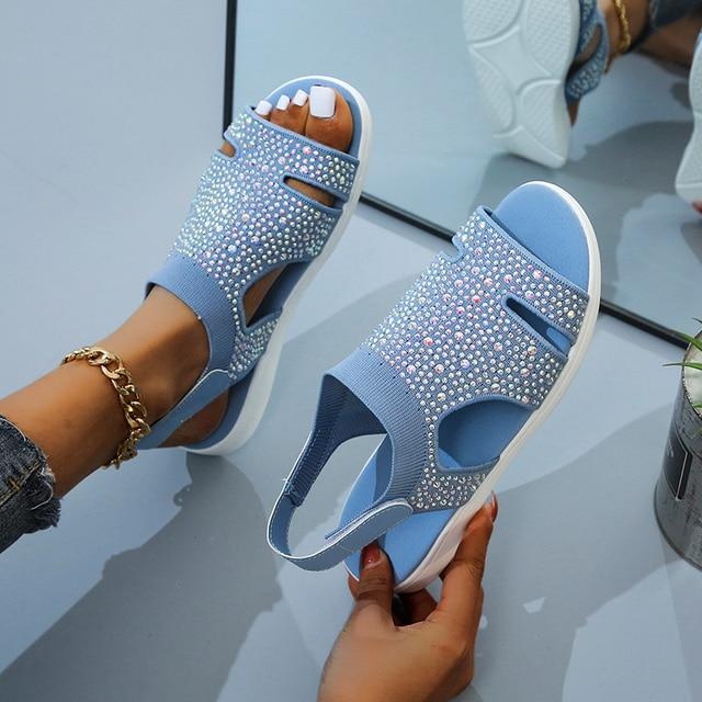 Женские босоножки с кристаллами, повседневные сандалии на плоской подошве с ремешком и пряжкой 2