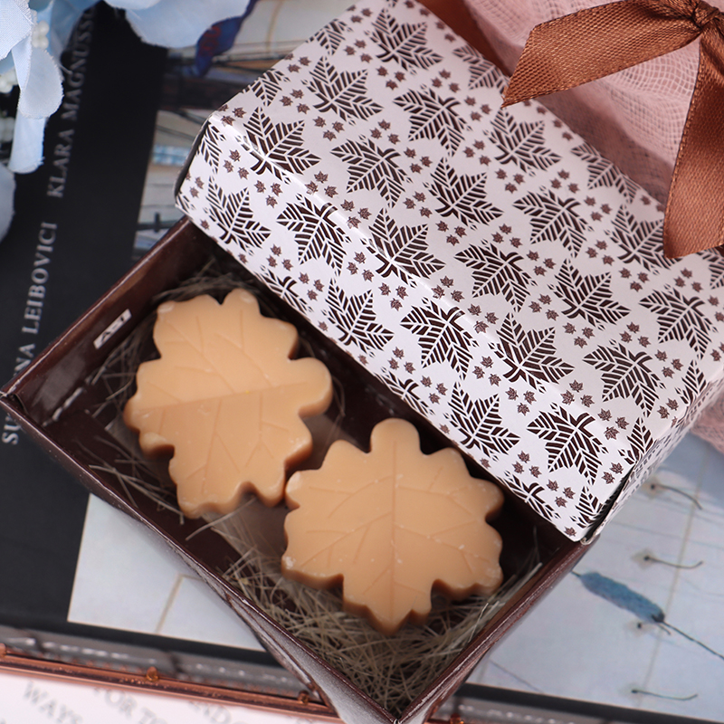 2Pcs/box Bath Soap Wedding Party Decoration Handmade Valentine Love Wedding Party Gift New Creative Maple Leaf Design