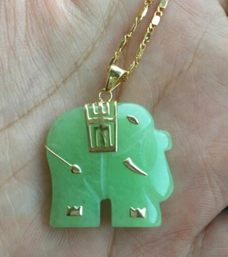 Free Shipping>>>Asian NATURAL Green Jade Elephant Pendant Necklace