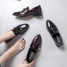 Preepy/Туфли-оксфорды; студенческие лоферы с острым носком и золотыми заклепками из лакированной кожи в стиле ретро; Эспадрильи на толстом каблуке; женская обувь без шнуровки на толстой подошве