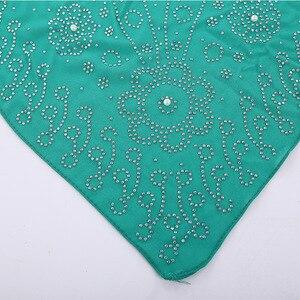 Image 3 - חדש לאומי סגנון פרל שיפון מוסלמי כיכר צעיף 105*105cm נשים של אופנה חרוזים כיסוי הראש