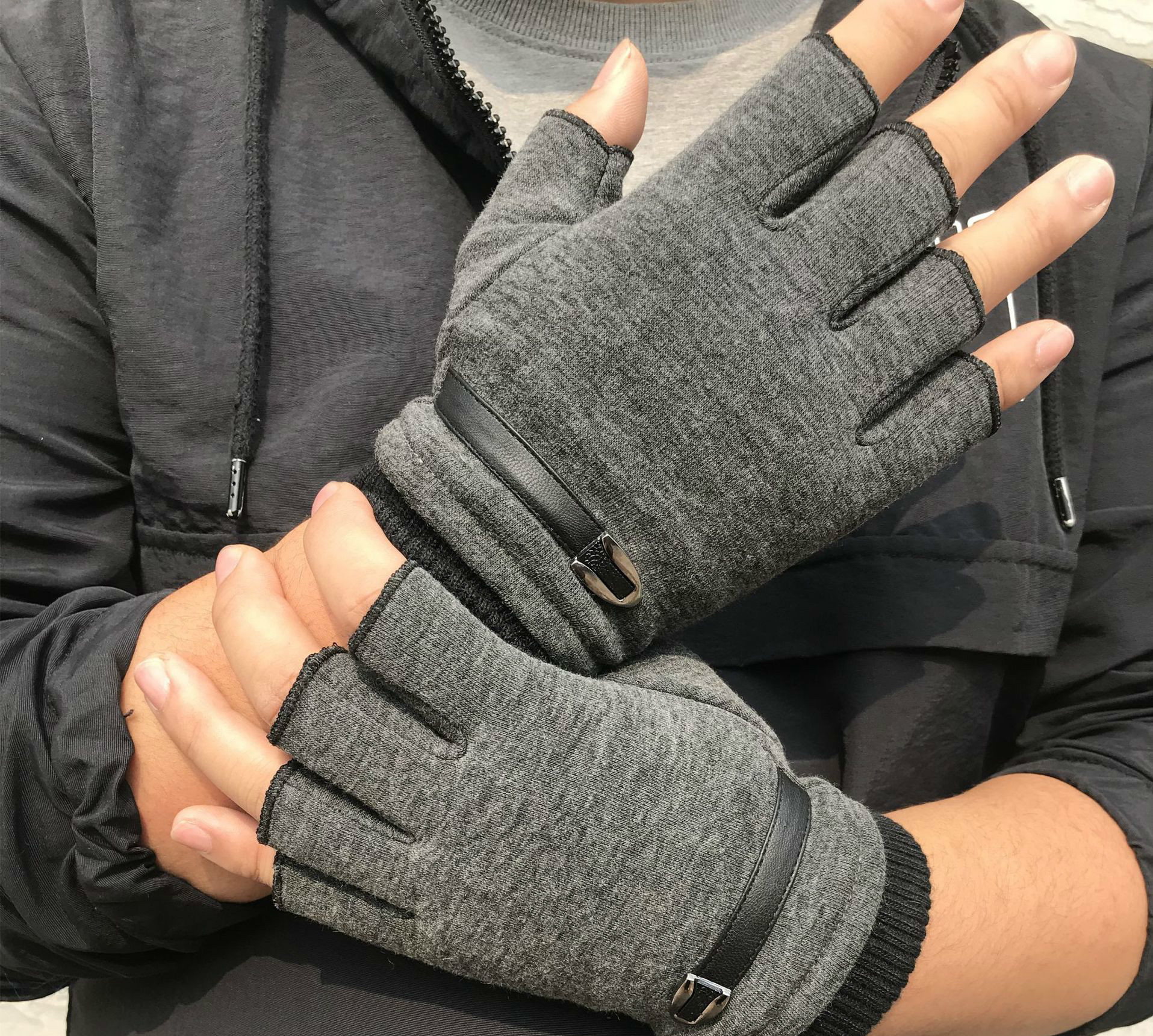 1 Pair New Fashion Unisex Men Women Warm Magic Knitted Stretch Elastic Mitten Half Finger Fingerless Gloves Prepare For Winter