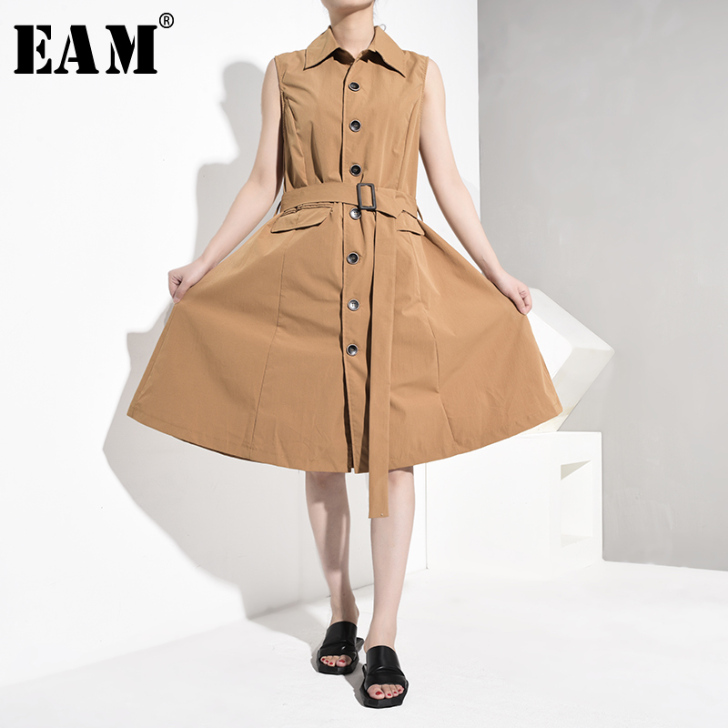 [EAM] Women Blue Contrast Color Pleated Asymmetrical Loose Fit Vest New V-collar Sleeveless Fashion Spring Autumn 2019 YC311