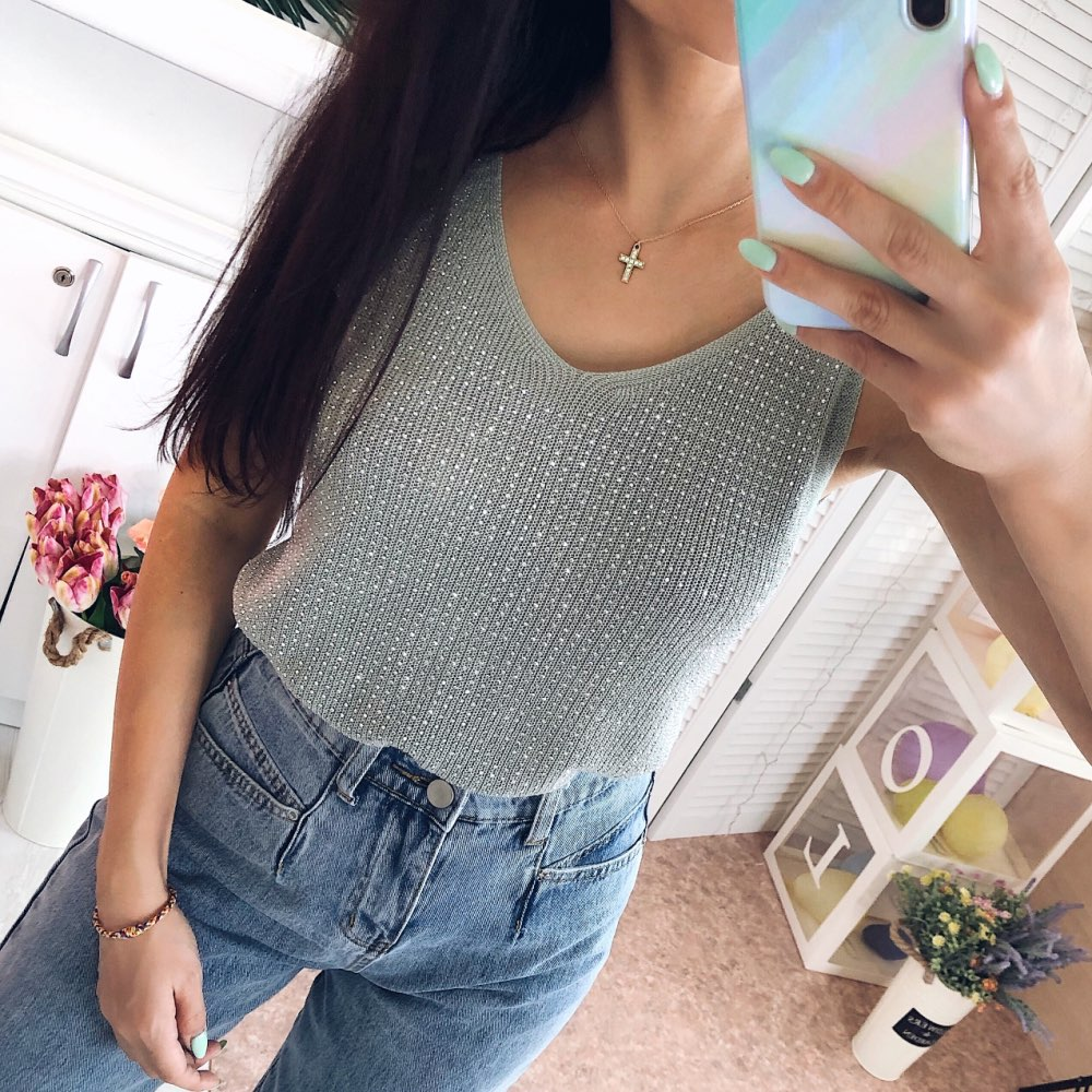 Hot Selling Summer Women Tank Top Sleeveless Sexy Shiny Knitted Vest Top V Neck Rhinestone Female Tee Shirt Camis A-011