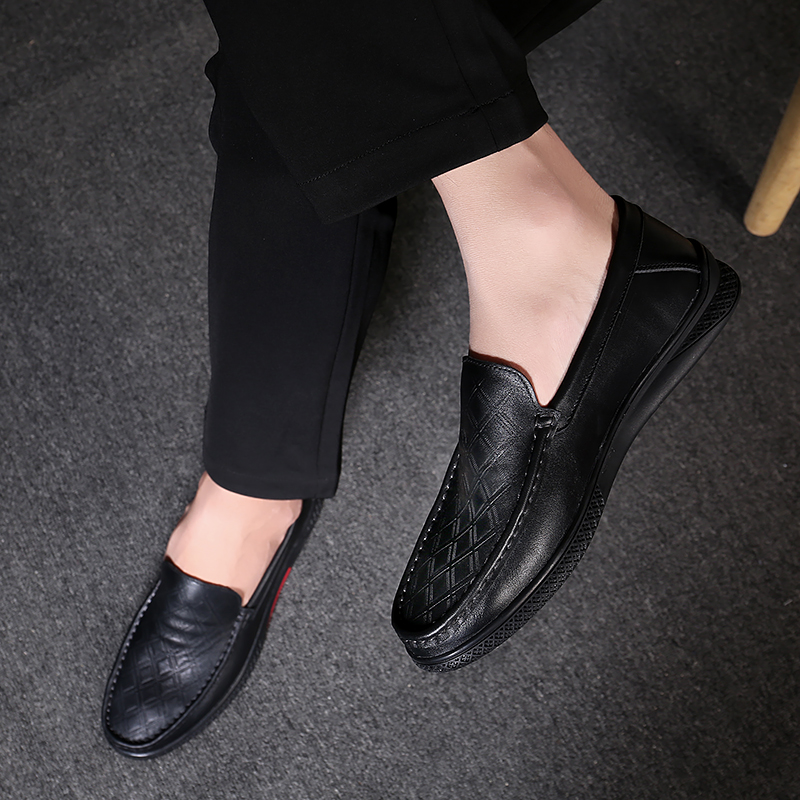 Classic Comfortable Slip On Loafers Men Casual Shoes Outdoor Genuine Leather Shoes Men Flats Driving Moccasins Shoes Men A4
