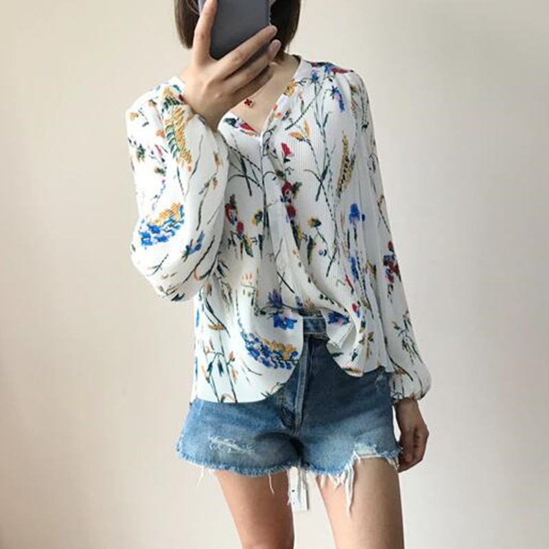2020 New Women Loose Shirt Flower Print Elegant Chiffon Long Sleeve V-neck Pleated Blouse Top