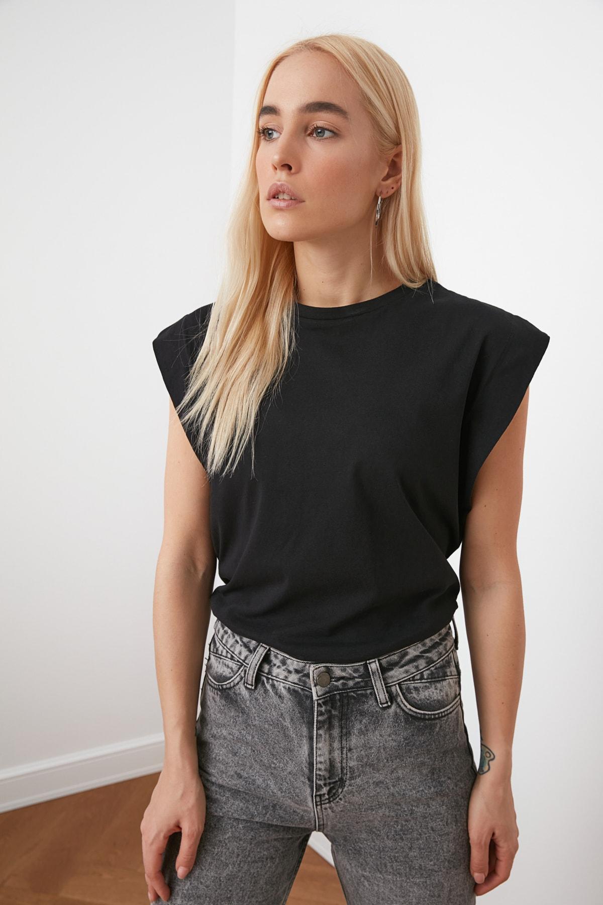 Trendyol Sleeveless Basic Knitted T-Shirt TWOSS20TS0021 футболка топ crop top футболка женский camisetas de mujer ropa mujer майка