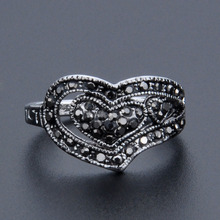 Vintage Rings For Women Antique Silver Color Black Crystal Heart Cocktail Ring Jewelry Girls US Size 7 8 9 Wholesale stars pattern double layer titanium steel couple rings black silver golden us size 9 7
