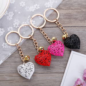 Cute Hollow Lace Heart Bell Pendant Keychains For Women Key Chains Rings Luxury Car Keyring Holder Charm Bag Accessories Gifts