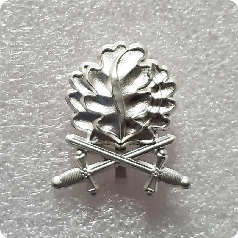 Oak leaves pin sword brooch badge Germany jewelry men patriot gift shirts jacket accessory