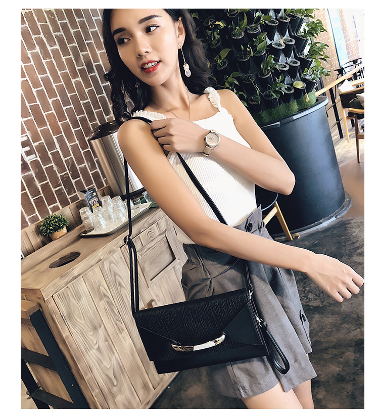 Image 2 - Hot Selling 2020 New Style Dinner Handbag Womens Carrying Envelope Bag Womens High Quality Free Shipping purses and handbagsClutches   -