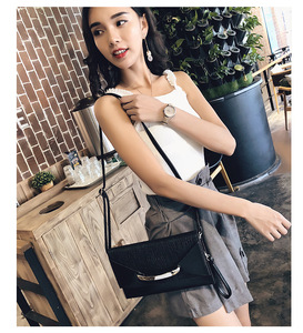 Image 2 - Hot Selling 2020 New Style Dinner Handbag Womens Carrying Envelope Bag Womens High Quality Free Shipping purses and handbags