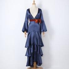 Женское винтажное платье макси с глубоким треугольным вырезом