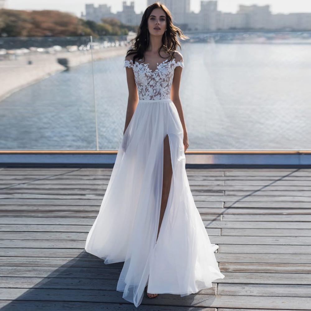 Sexy Sheer Scoop Neck Short Sleeves Tulle Wedding Dress with Side Slit Lace Appliuque Cheap Wedding Dresses Boho Robe Mariage