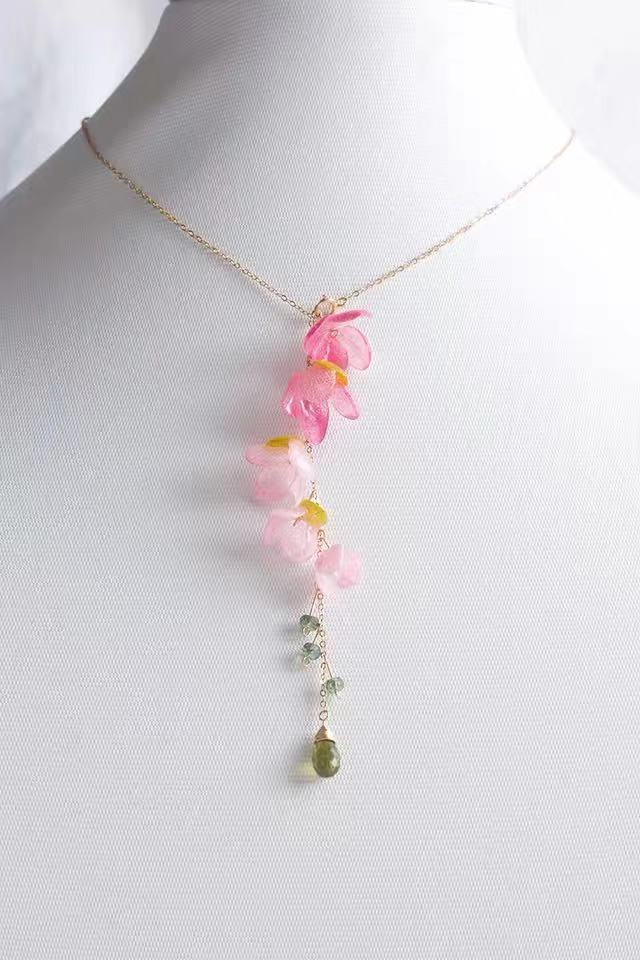 Lady immortal flower necklace  14k gold necklace  Sweet and elegant style  Valentine's day gift   Anniversary gift
