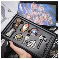 Wunderwerke Action Figur Ornament Spielzeug Thor Ax Iron Man Maske Thanos Handschuh Schlüsselanhänger Avengers Endgame Auto Schlüssel Anhänger Geburtstag Geschenk