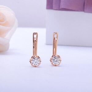 Image 2 - TransGems 14K 585 różowe złoto 1CTW 5MM F jasny kolor Moissanite kolczyki w kształcie kółek z diamentami dla kobiet ślubny kwiat w kształcie kolczyki w kształcie obręczy