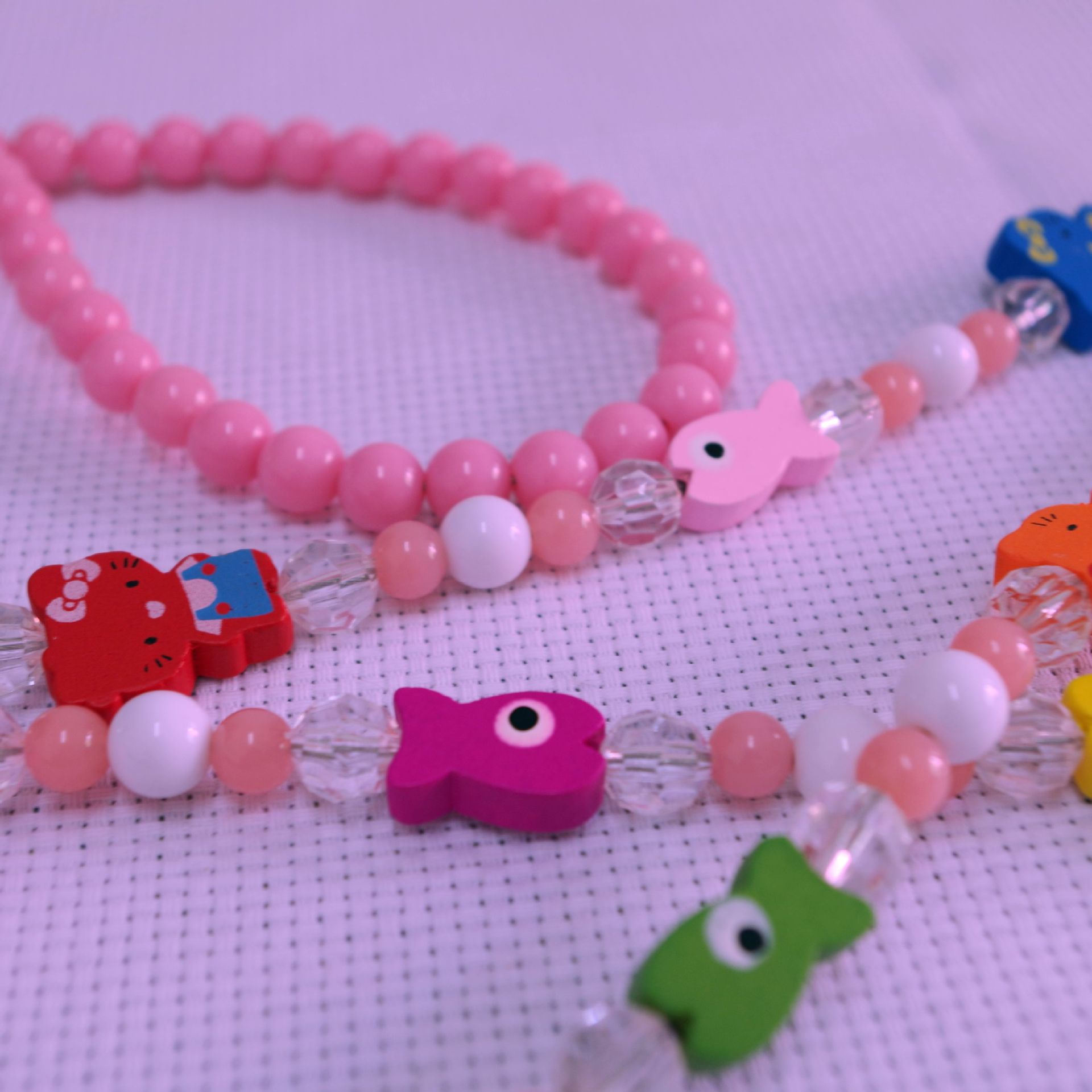 2014 New Style Pet Fashion Bead Necklace Hand Holding Rope Small Dogs Pet Dog Small Fish Cat Teddy Traction Belt