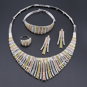 Image 2 - Модный свадебный комплект ювелирных изделий из Дубая, Африки, Нигерии, Африки, посеребренное ожерелье, серьги, набор романтических женских свадебных ювелирных изделий