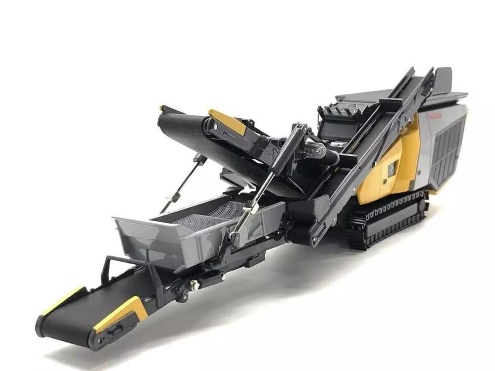 Collectible Diecast Toy Model 1:50 Keestrack R3 Model Crusher Crushing Plant Engineering Machinery For Decoration,Business Gift