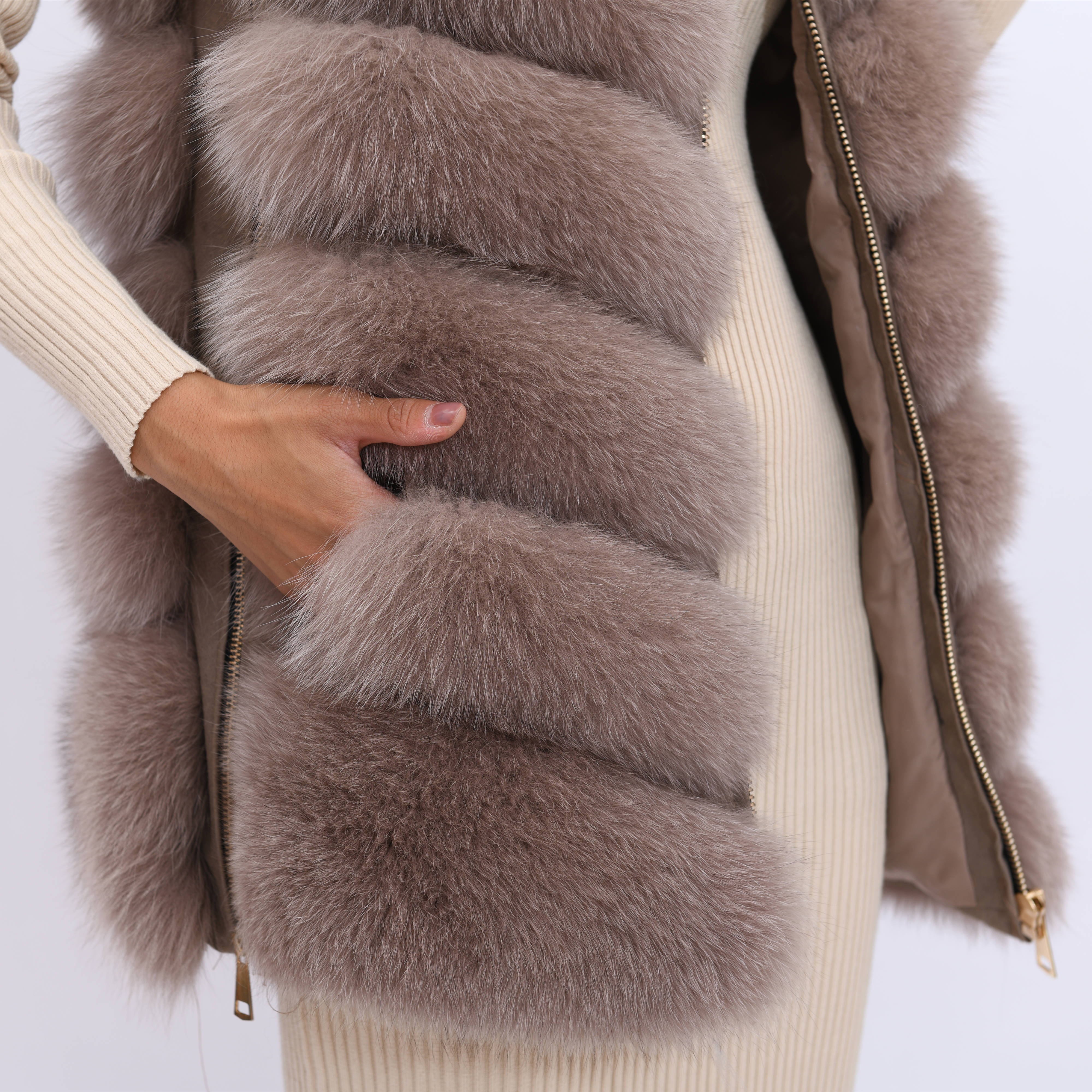 Image 5 - 2019 new women's winter real fox fur vest, real fox fur jacket, 100% natural real fur coat, high quality stylish warm sleeveless-in Real Fur from Women's Clothing