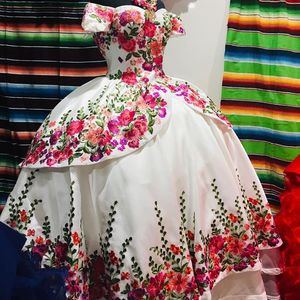 Image 3 - Floral Satin vestidos de 15 años 2019 Puffy Embroidery Quinceanera Dress Off the Shoulder Sweet 15 Dress Long Prom Gowns