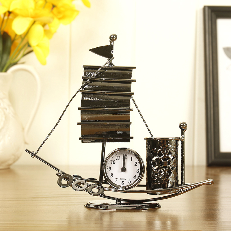 Креативная форма парусника металлическая подставка для ручек с часами Офис Дом Школа украшения
