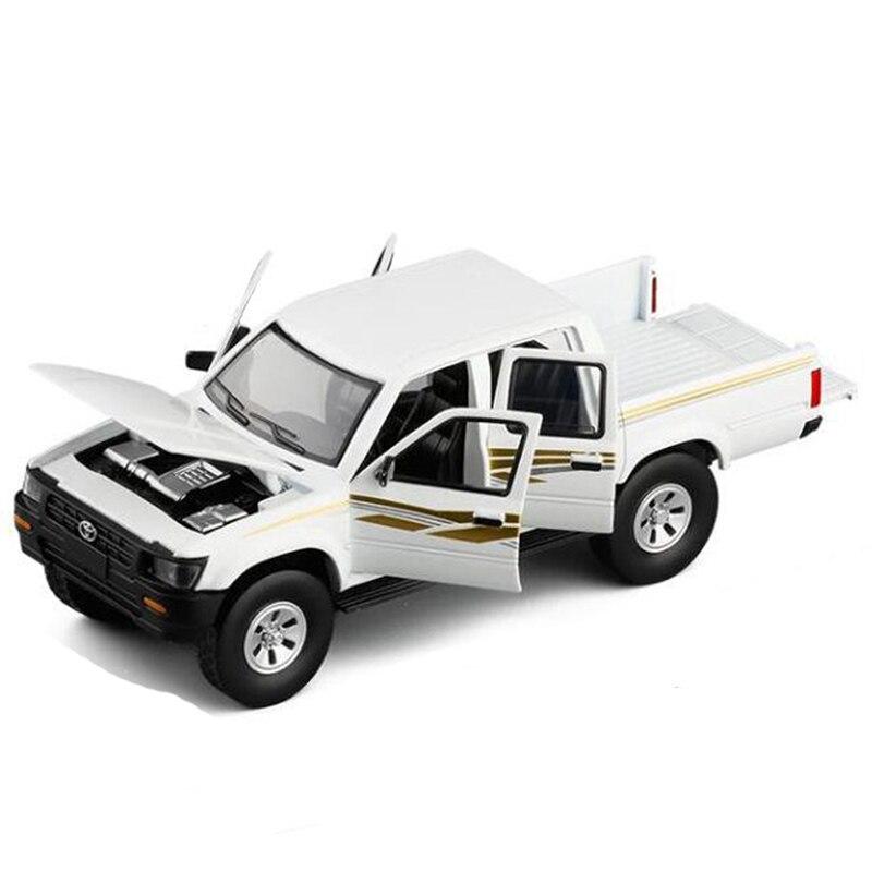 Novo 1/32 toyota hilux pick up caminhão com diecast metal modelo de carro brinquedos com som luz para crianças presentes com caixa v205
