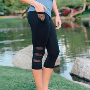 Image 5 - 2018 שחור סקסי כושר ספורט קאפרי מכנסיים נשים גבוהה מותן אלסטי רשת צועד מכנסיים עם כיס קצוצים מכנסיים