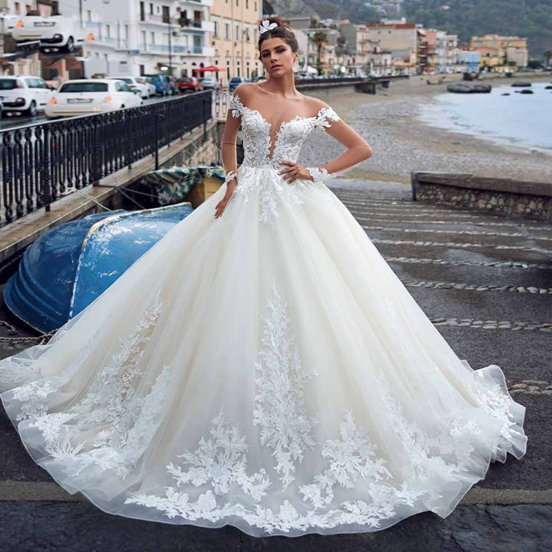 Vintage Long Sleeve Wedding Dress Princess 2019 Buttons Back Design Wedding Gowns Sweetheart Skin Tulle Ball Gown