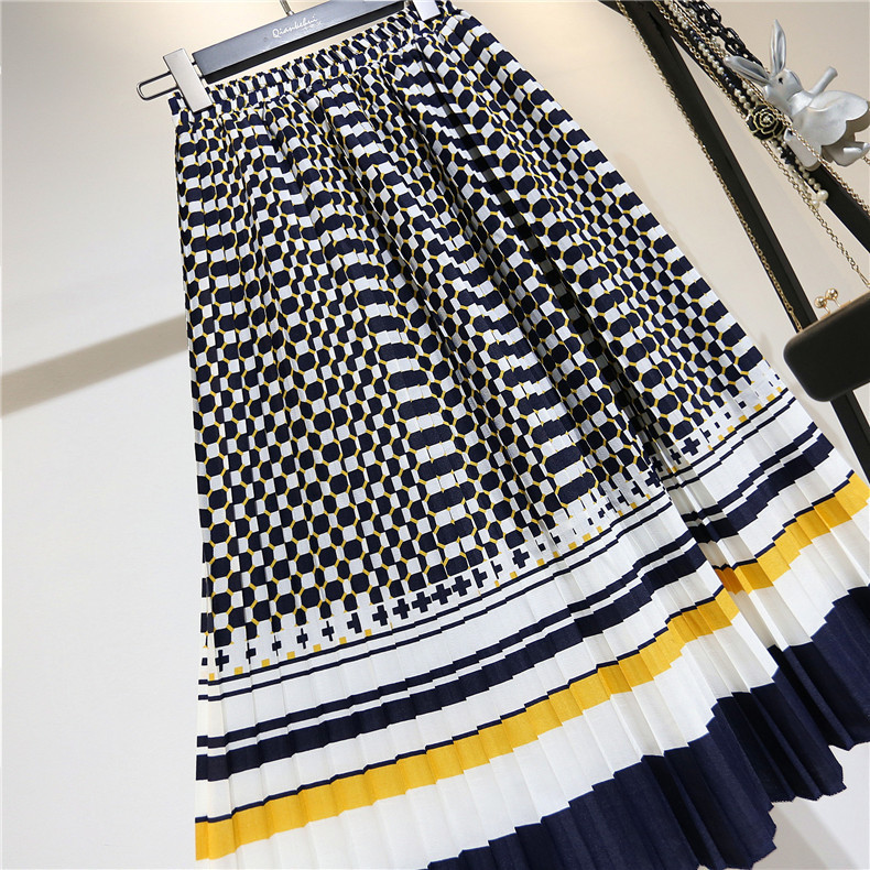 LANMREM 19 spring Fashion New Black White Dot Contrast Color Pleated Elastic High Waist Skirt All-match Female's Bottoms YF129 4