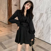 Autumn 2019 New French Retro V neck Design Feeling Thin Temperament Ins Net Red Black Shirt Dress Female