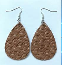 Fashion Retro Woven Rhombus Stripe Leather Dangle Earring Geometry Water Drop Pendant Women Jewelry(China)