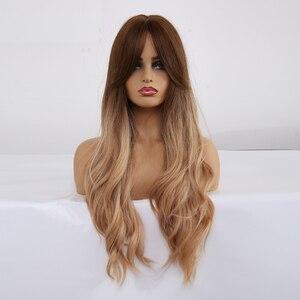 Image 4 - Pelucas sintéticas de pelo largo ondulado para mujer, pelo ombré marrón a rubio con flequillo para mujer, pelucas Afo Cosplay, fibra resistente al calor de parte media