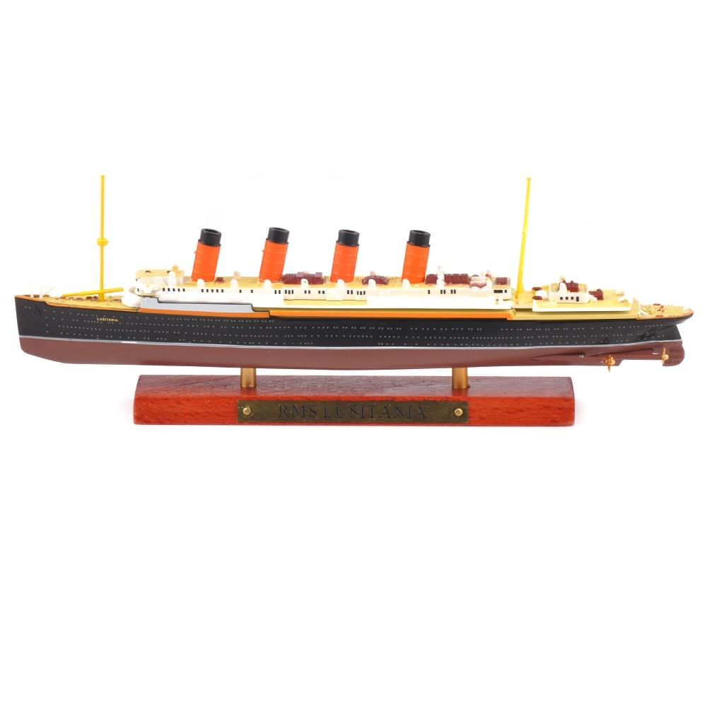 Pas cher enfant jouets 1/1250 échelle moulé sous pression RMS Lusitania bateau à vapeur affichage bateau de croisière véhicule modèle jouet pour Collection cadeau