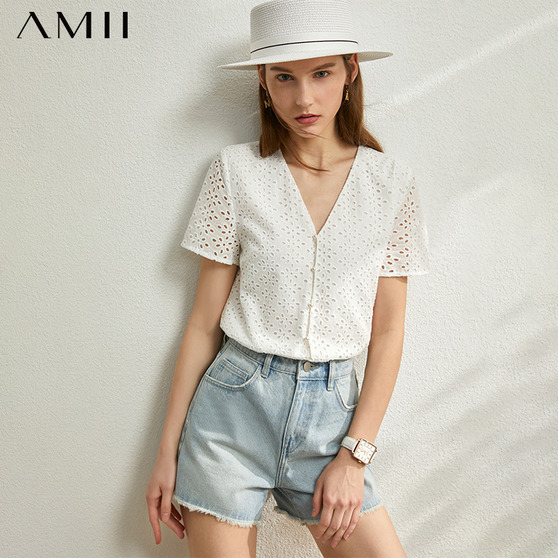 AMII Minimalism Spring Summer New Hollow Out Blouse Women Tops Vneck Single-breasted White Shirt 12030192