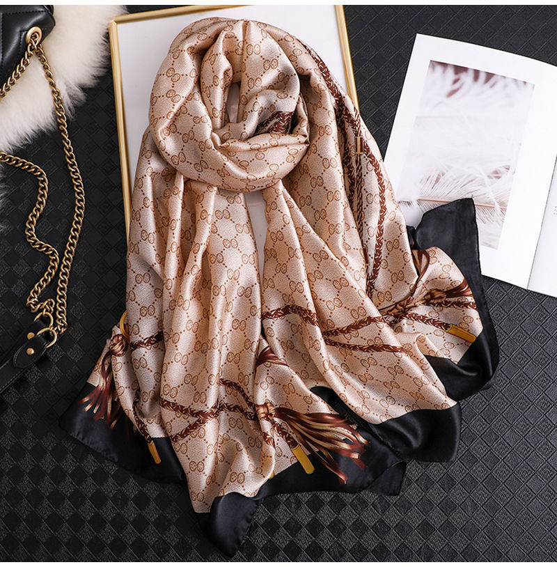 2020 Classic Women Silk Scarf Female Scarves Ladies Beach Wrap Chiffon Shawl Chain Printed Sunscreen Bandanna Foulard Muffler