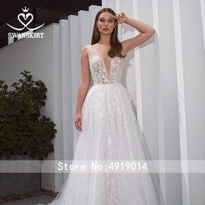 Image 3 - Romantische V ausschnitt Tüll Hochzeit Kleid SWANSKIRT F261 Boho Perlen Appliques A Line 3D Blumen Illusion brautkleid Vestido de noiva